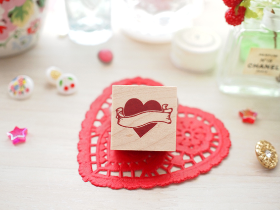 Photo1: Heart Wood Mounted Rubber Stamp From Cui