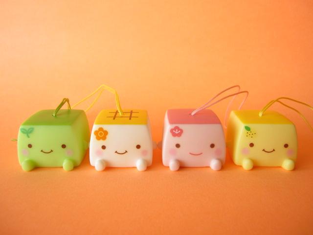 Photo1: 4 pcs Kawaiil Cute Hannari Tofu Mini Figure Toy Mascot Strap Set *Green, Pink, Yellow, White