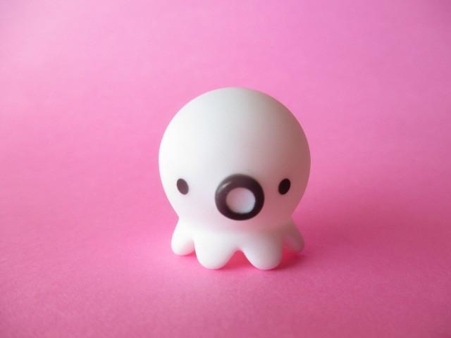 Photo1: Octopus Takochu Plastic Mini Figure Toy *White
