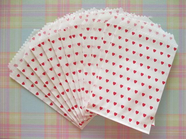 Photo1: 12 pcs Heart Design Mini Flat Paper Bags Set *Red Heart